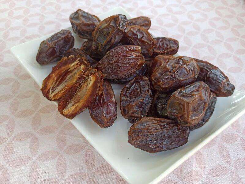 medjool Select xl jumb0 organic medjoul dates 02