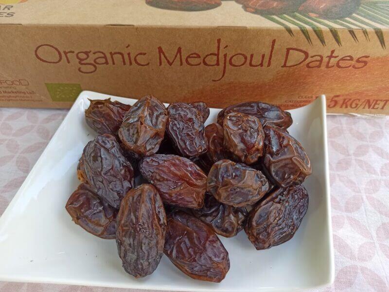 medjool Select xl jumb0 organic medjoul dates 04